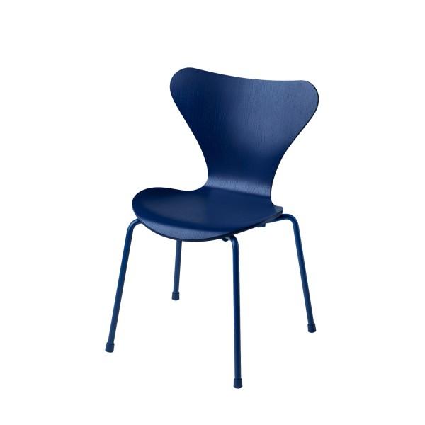 Fritz Hansen Kinderstuhl 3177 monochrome Arne Jacobsen