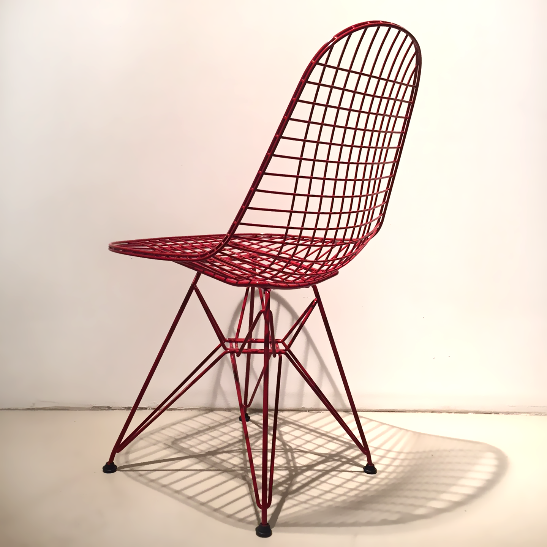 vitra eames wire chair dkr blutrot pulverbeschichtet. Black Bedroom Furniture Sets. Home Design Ideas