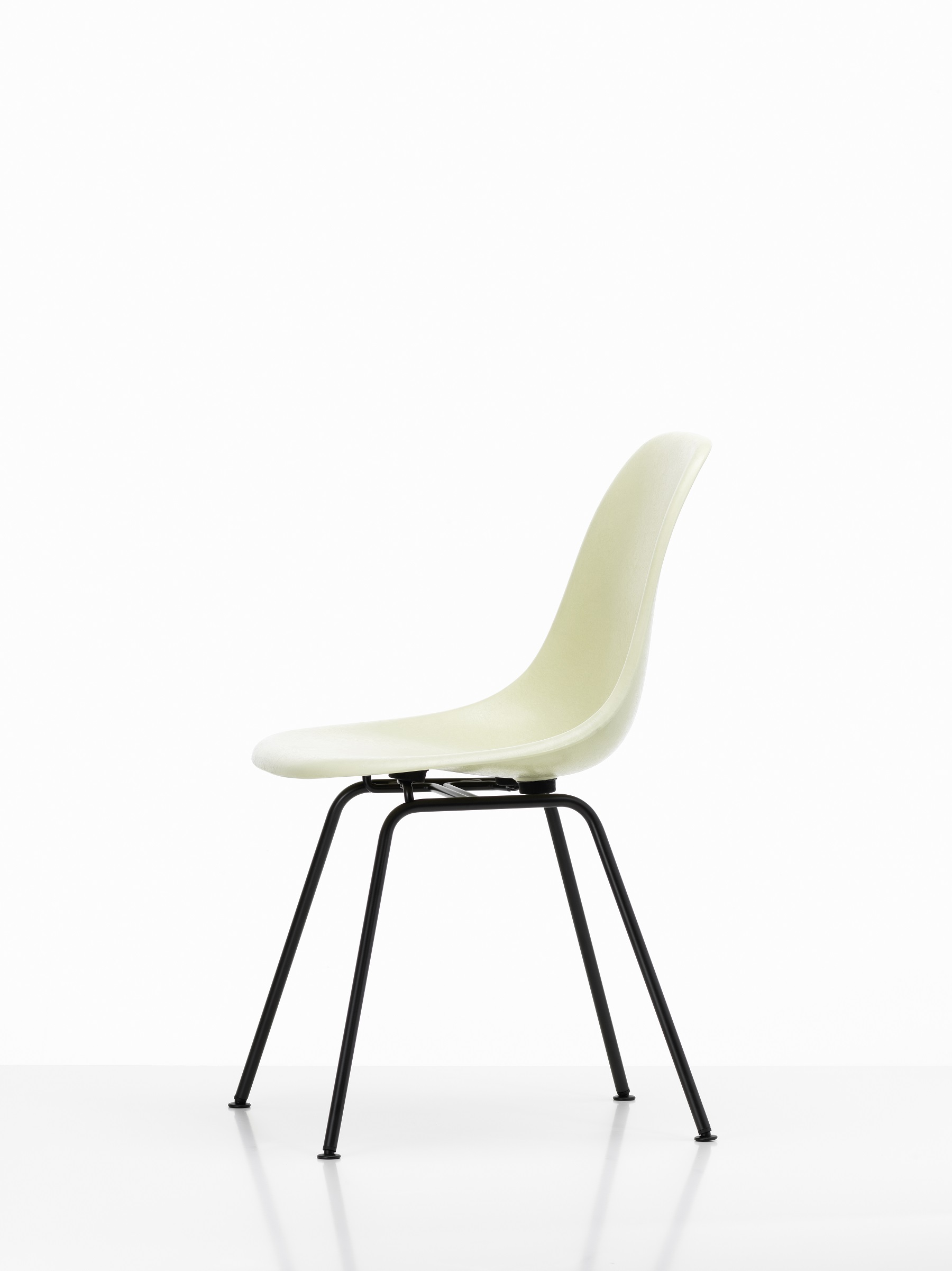 Vitra Eames Fiberglass Side Chair Dsx Charles Und Ray Eames Designikonen Designmobel Shop